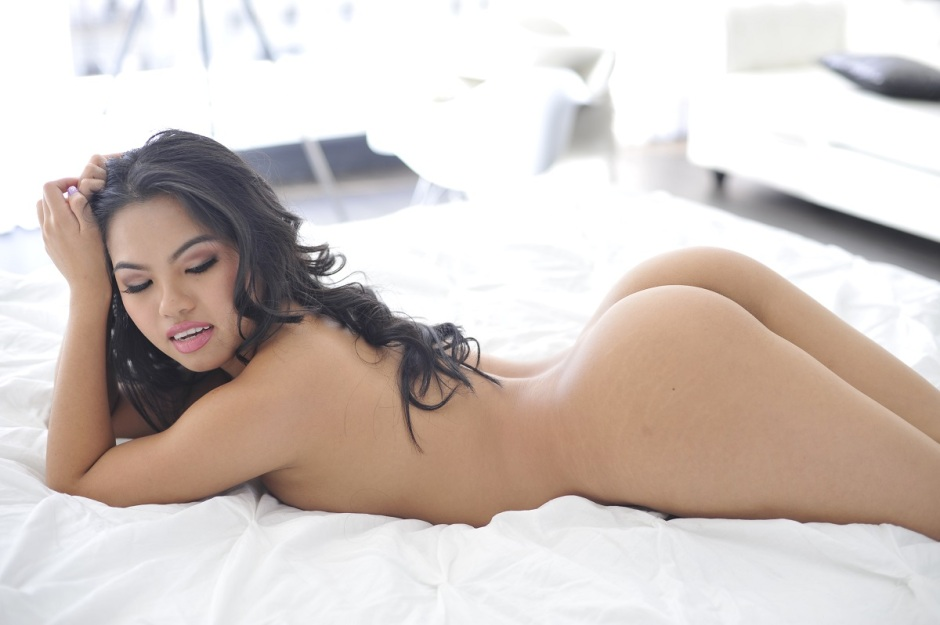 Adult Film Star Cindy Starfall exclusive interview with Beyond The Entertainment